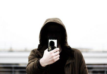 iphone-camera-hacked